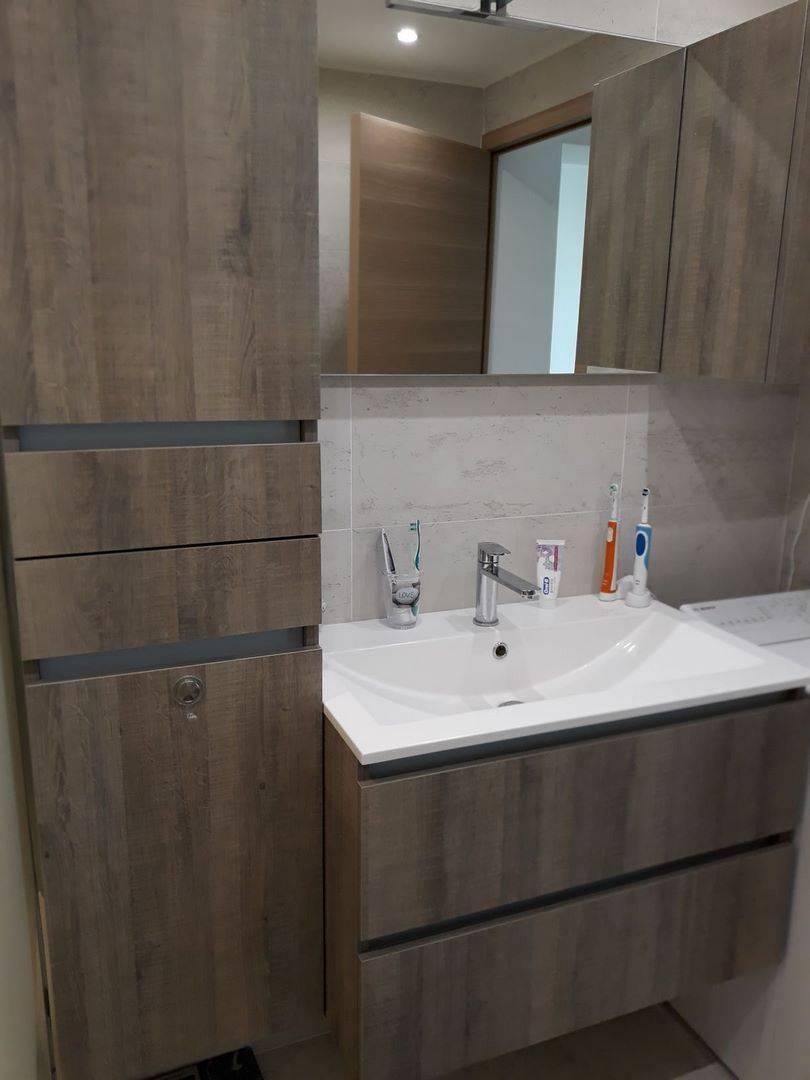 r alisation d 39 une salle d 39 eau sur mesure avec douche l. Black Bedroom Furniture Sets. Home Design Ideas