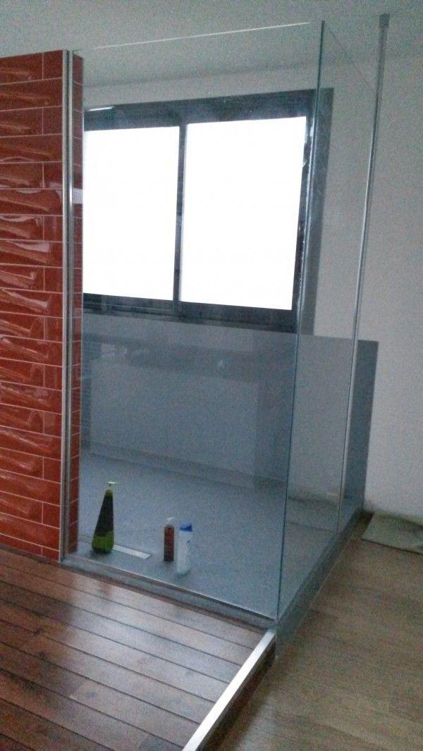 transformation d 39 un espace avec baignoire en une douche. Black Bedroom Furniture Sets. Home Design Ideas