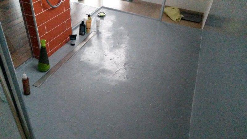 transformation d 39 un espace avec baignoire en une douche aux dimensions xxl le val 83. Black Bedroom Furniture Sets. Home Design Ideas